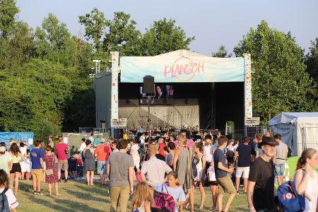 bühne-im-sommer-plansch-festival
