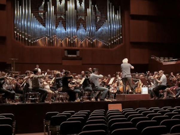 lte-oper-backstage-sir-simon-rattle-london-symphony-orchestra-still-seehund-media-gmbh-low-3-4