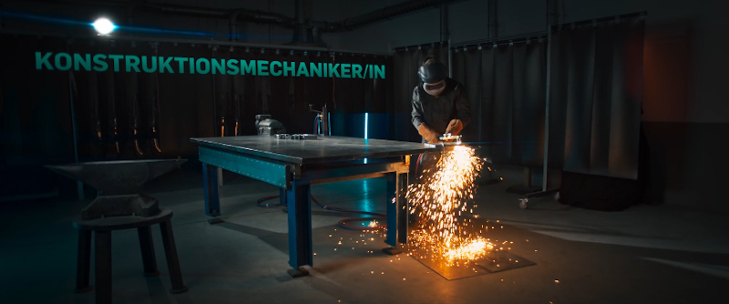 konstruktionsmechaniker-schweissen-brennschneiden-karl-mayer-recruiting-film-seehund-media