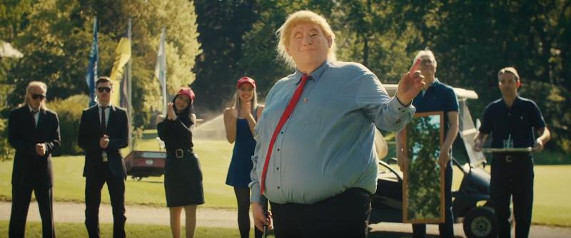 trump-beim-golf-spielen-securitys-golfcart-kolibri-zwo-musikvideo-dreh-seehund-media
